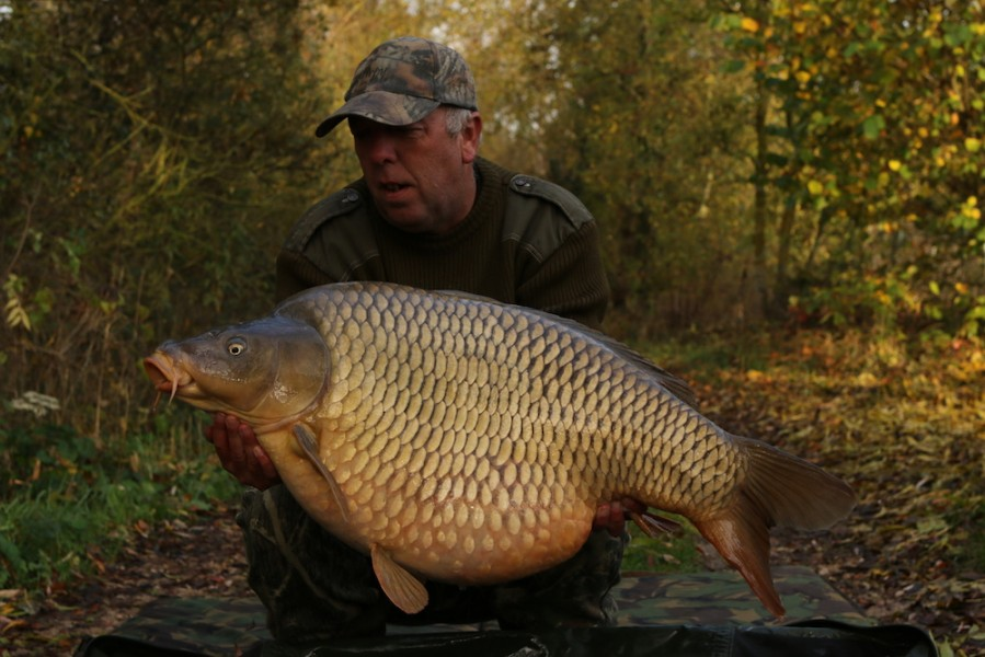 Ricky with The Vicar 48lb 4.11.16