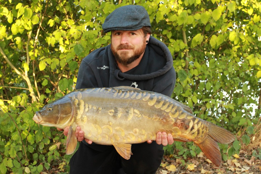 Rob Hughes with Chavy at 25lb from Big Girls 14.09.2019