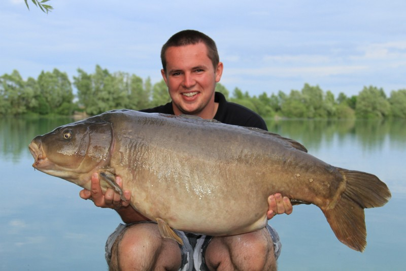 Tom with the Nude fish @49.08lb