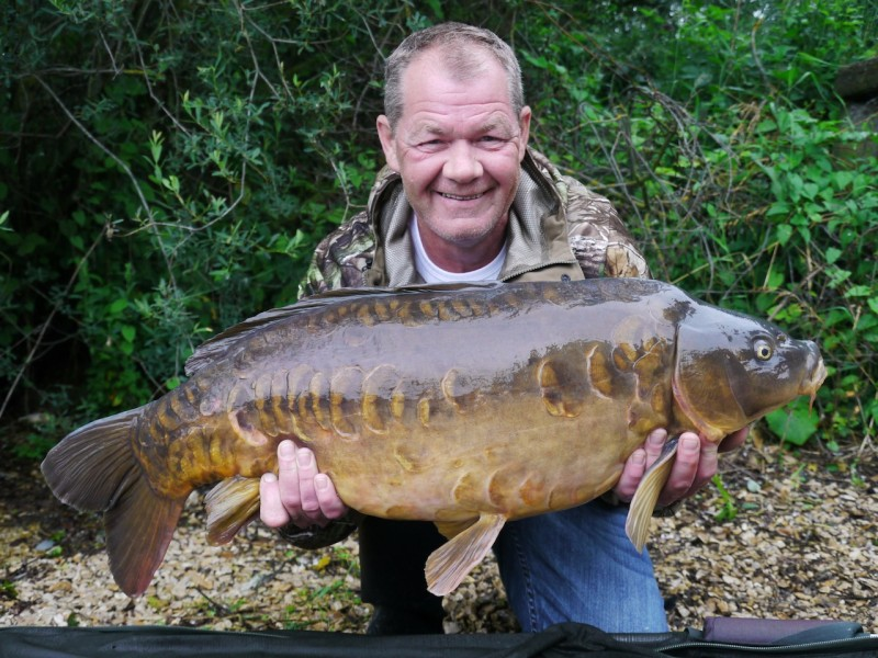Dave with Rising Star at 27lb from Big Girls in June 2013