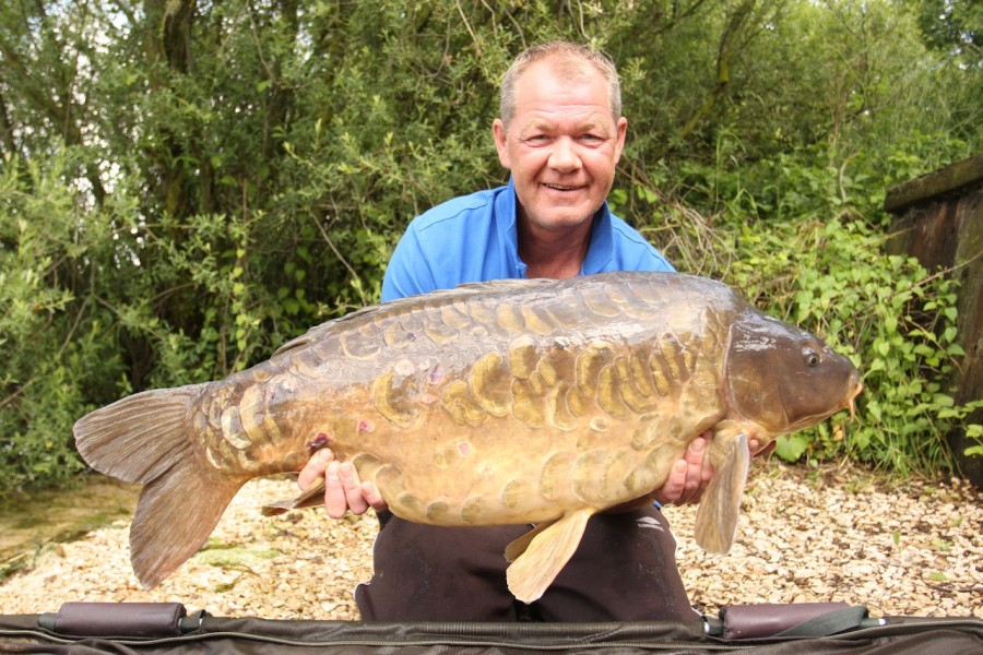 Dave with Equalled 36lb big girls