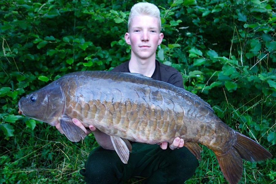 Lasse with a 20lb mirror