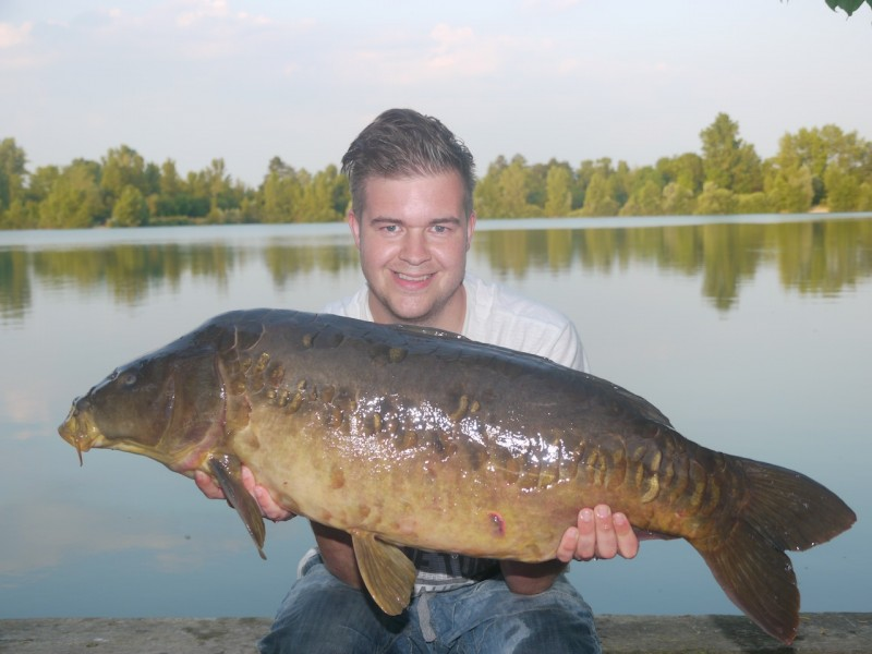 Mike with Nelson at 31.08lb