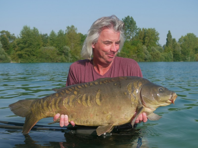 Geoff with a 30.06lb mirror