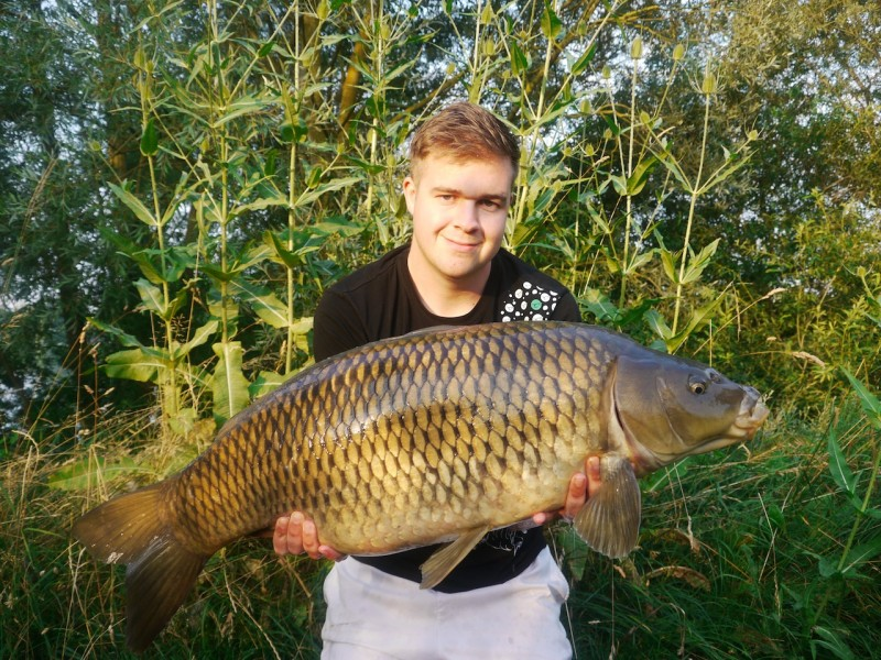 Mike with a 30.02lb common