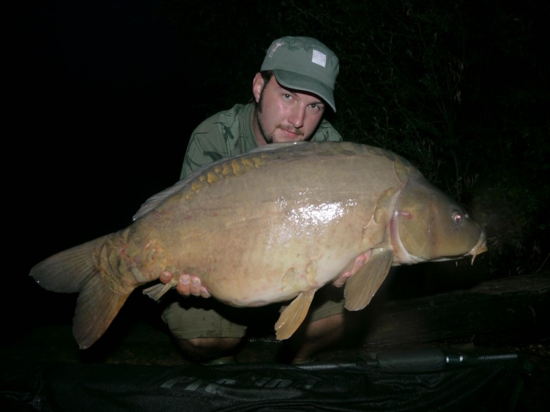NIck with a 33lb+ mirror