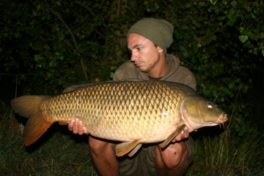 Tom Burns with a nice 20lb+ common from Big Girls