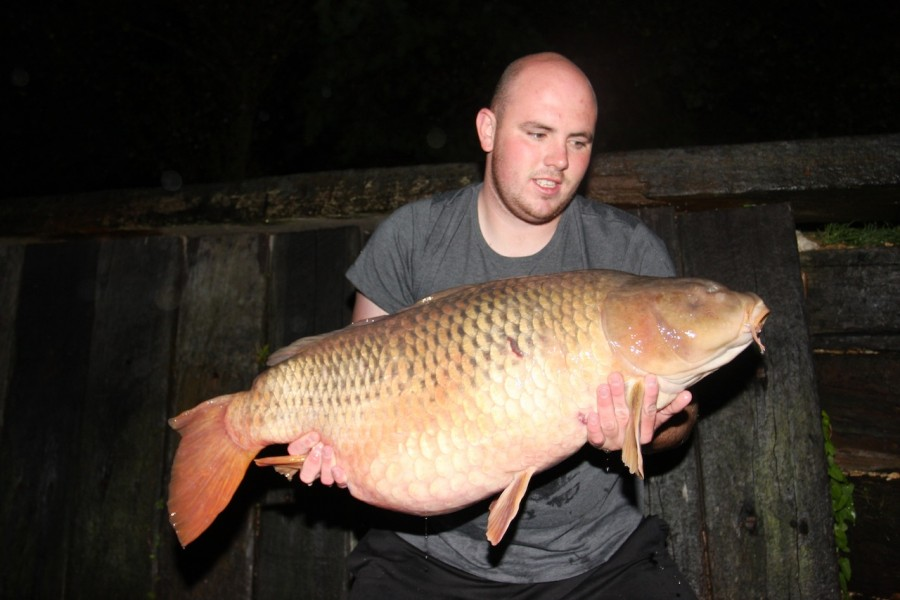 Gareth with arfur the common 39lb Oblivion September 2013