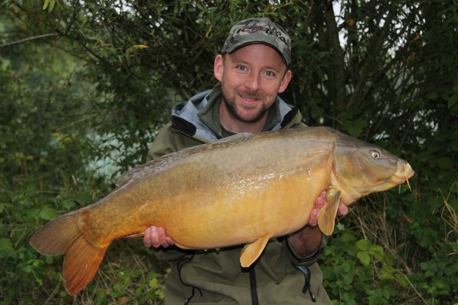 Damian with a 31.03lb mirror