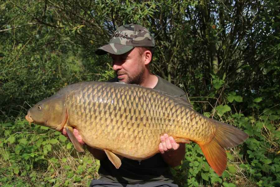 Damian with a 33.01lb common