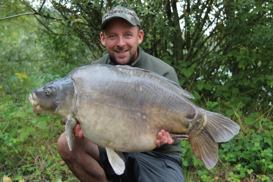 Damian with bottom lobe 45.15lb Co's September 2013