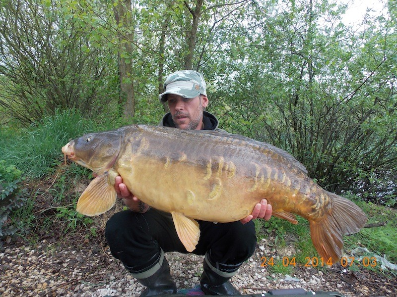 Darren with a 32.08lb mirror
