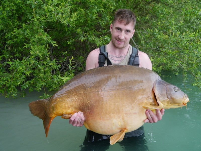 Josh Cook with Fudgy's at 79lb from Co's Point in May 2014