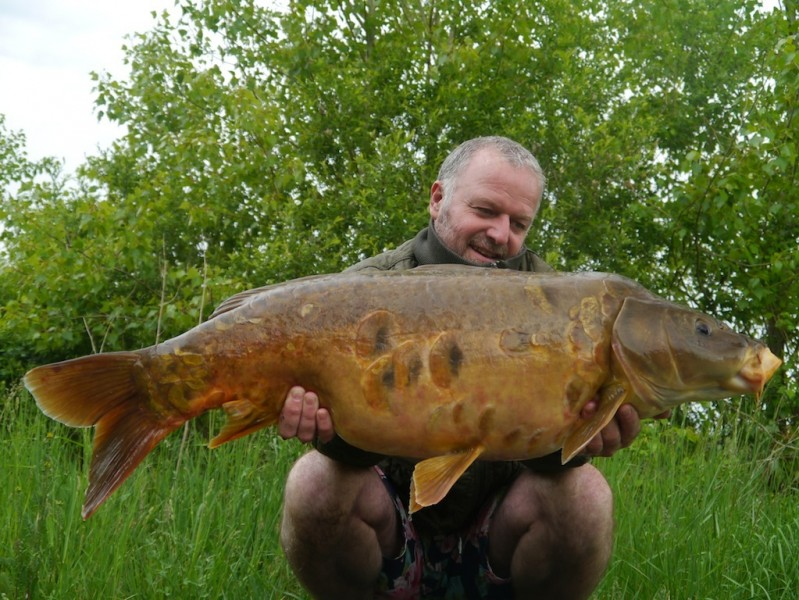 A stunning 30lb mirror for barty