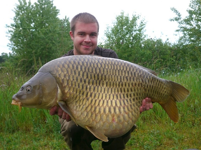 Mike with a fat 39lb common