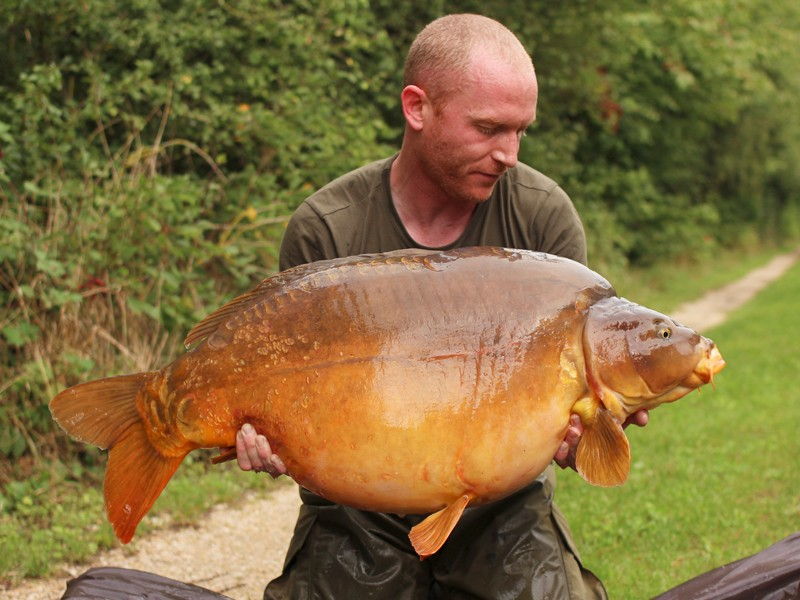 Paul with Ginge at 46lb from the Beach