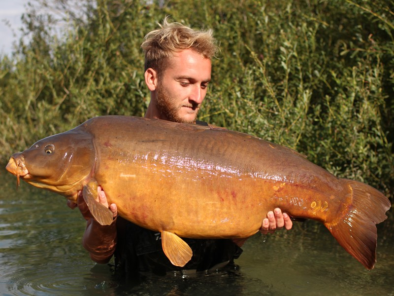 Tom with the Spotty Leather 48lb13oz BigGirls