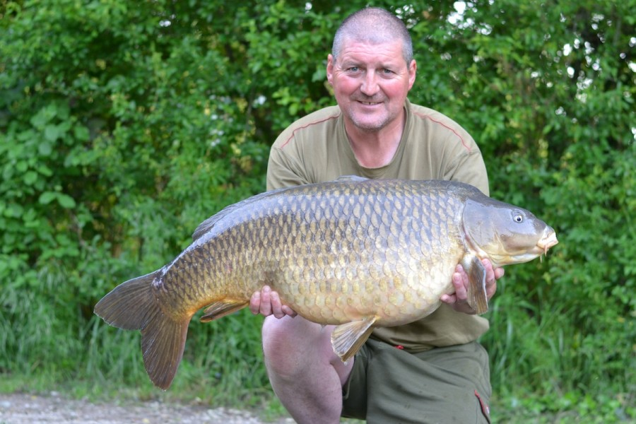 Dave with a 37.00lb common