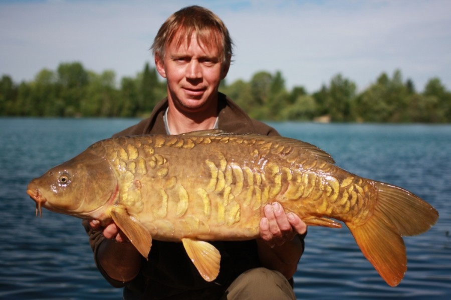 Nigel with a scaly Gigantica  mirror
