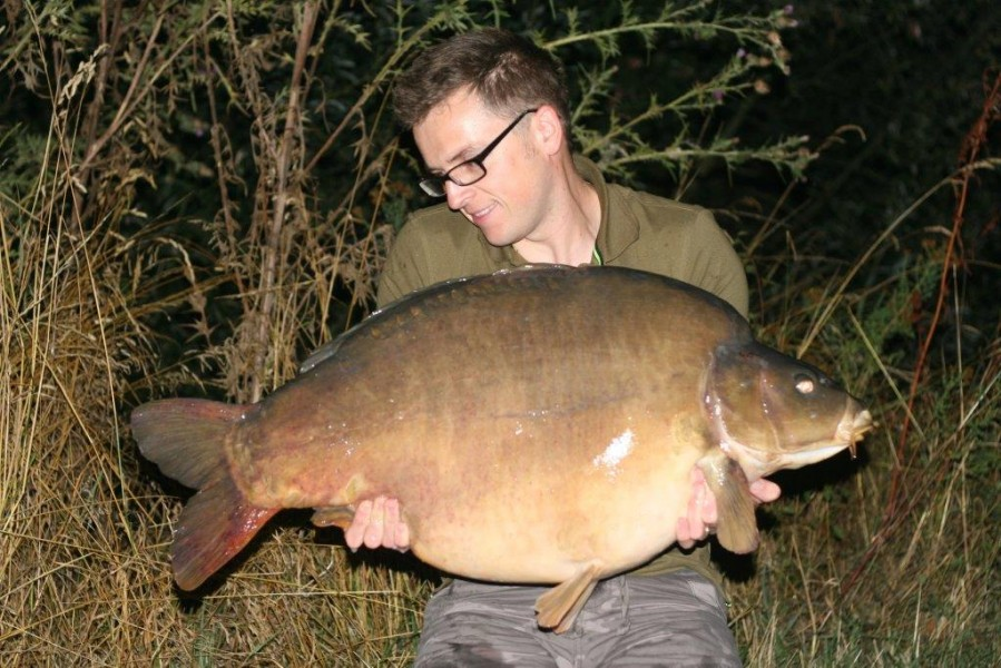 Neil with The Unknown 51lb mirror