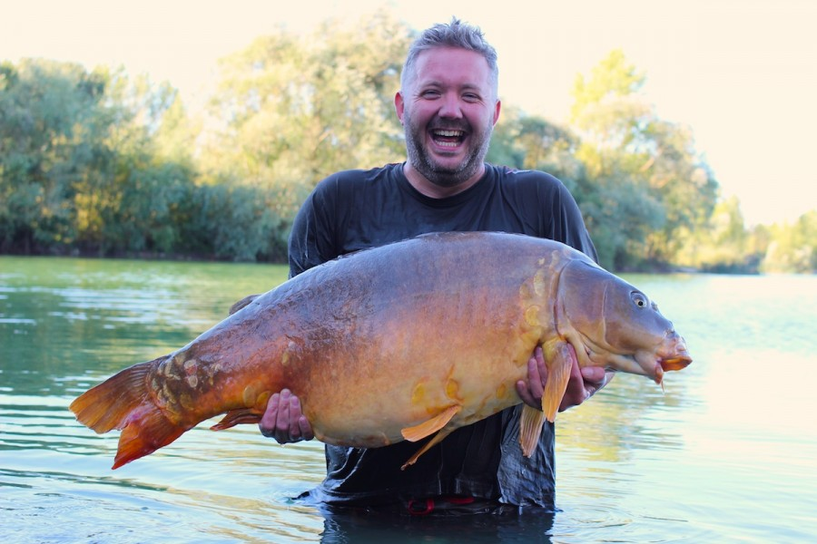 Kevin Rogers with Mr Angry at 59lb from Big Girls in September 2015