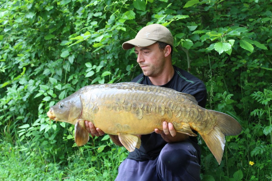 Paul with his 24lb mirror from Co's point