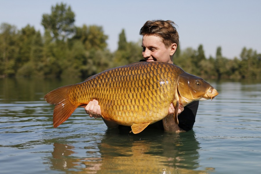 Corin's Bobbins were Dancing for this common @ 33lb 4oz