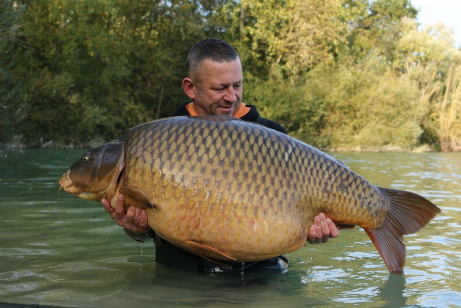 Rowan Hill with The Immaculate Common at 76lb from Bob's Beach in October 2016