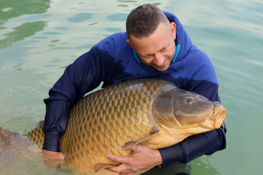 Rowan Hill again with The Immaculate Common at 76lb from Bob's Beach in October 2016