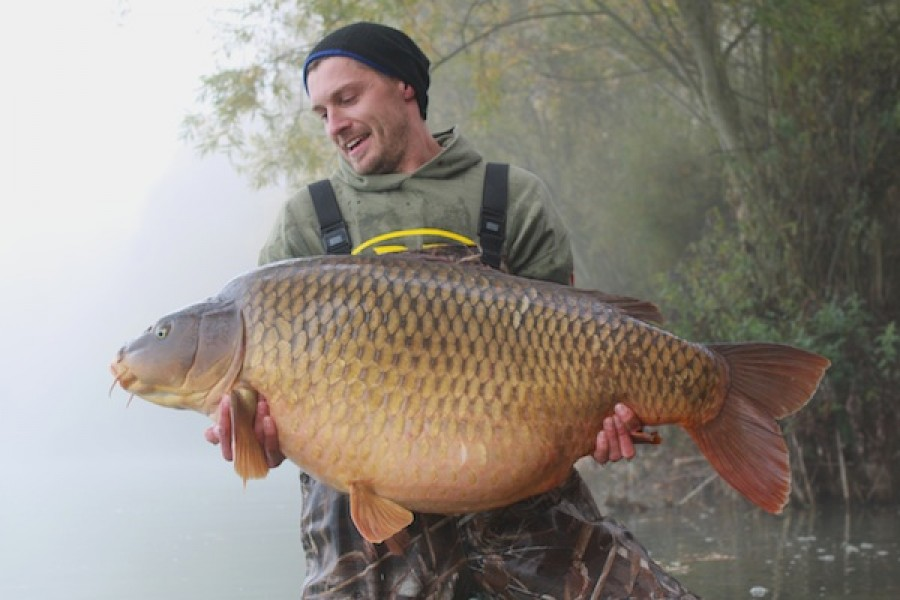 Mikkel Thomas with The Immaculate Common at 75lb 6oz from The Stink in October 2016