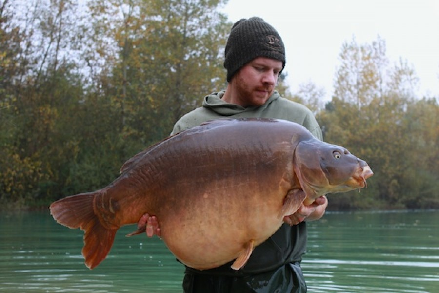 Nikolas Olesen with Two Time at 67lb 4oz from Baxters in October 2016