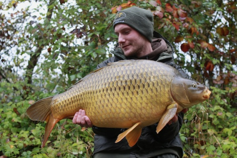 Thomas Moeller with The Viking at 30lb 4oz from Bobs' Beach in October 2016