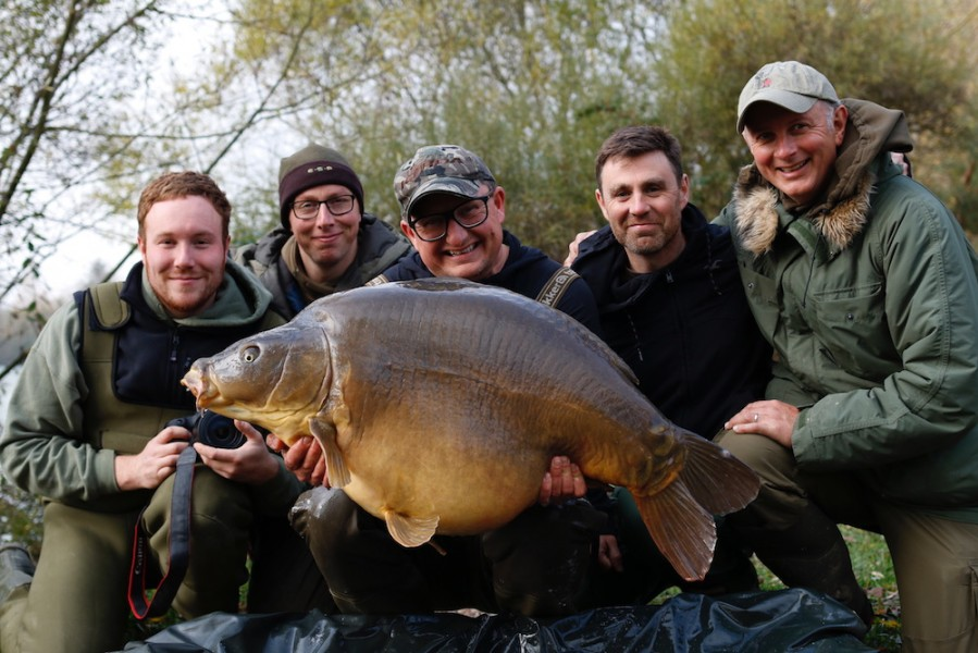What an amazing end to the week, DF with the mighty Spences at 64lb 8oz from The Stink