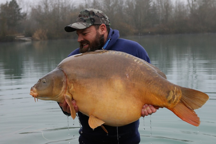 Buzz with The 43 at 63lb from Pole Position in Dec 2016