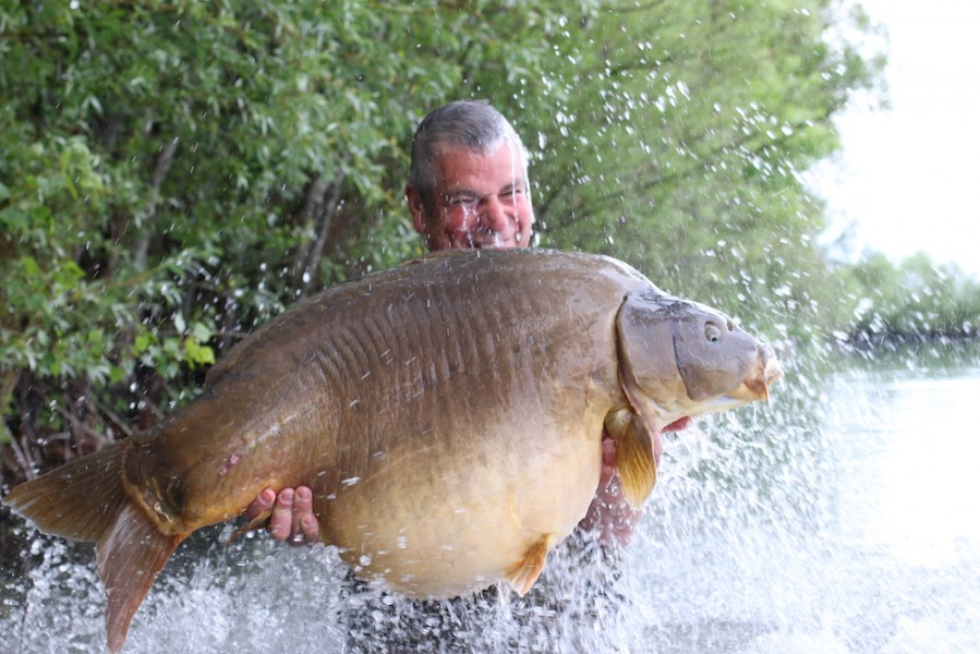 Andy Curtis celebrating his new PB, Ziggy Stardust at 63lb 8oz