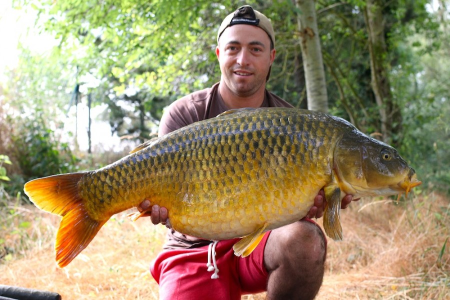 Paul Carpenter with The Koi at 42lb 8oz from The Alamo 24.6.17