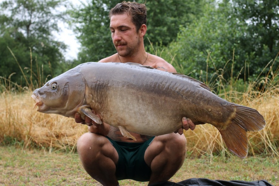 James Hayden with The Nude Fish at 42lb 12oz from Pole Position 24.6.17