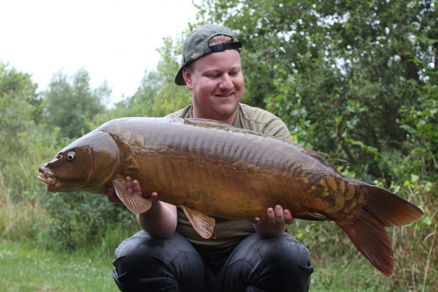 Steve Bartlett with Polly at 28lb from Alcatraz 8.7.17