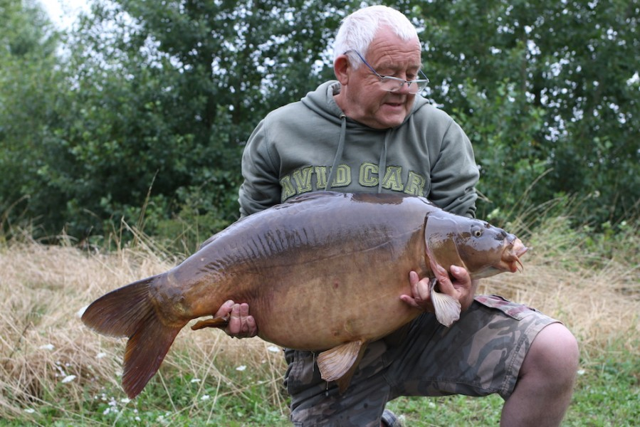 Nobby with Nobbie's Mirror at 42lb8oz from Pole Position 22.7.17