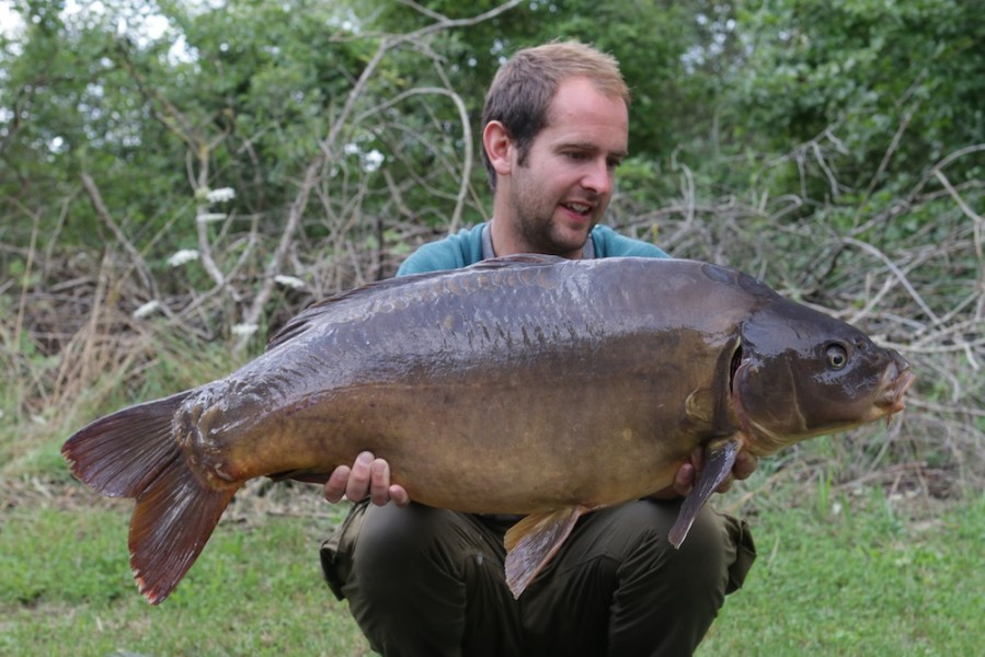 Tom with Gillie at 32lb 09.08.2017