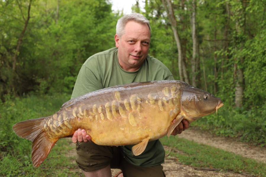 Tony Walker, 44lb, Big Southerly, 28.4.18