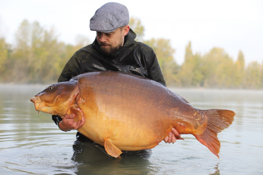 Morten Petersen with The Queen of the Pond at 81lb.