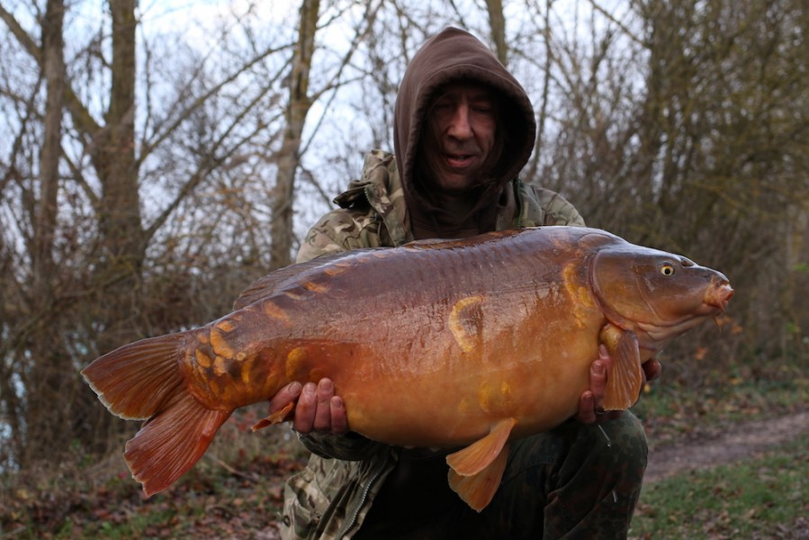 Wayne 'The Monk' Barker with The Bullet at 34lb, The Alamo, 08.12.18