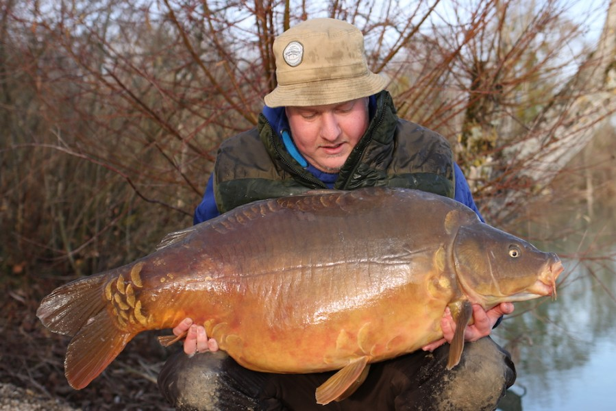 Steve Bartlett with The Bean at 48lb from Co's Point, 22.12.18