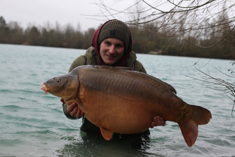 Rob Burgess with Well Hung at 54lb 12oz Cos Point 15.12.18