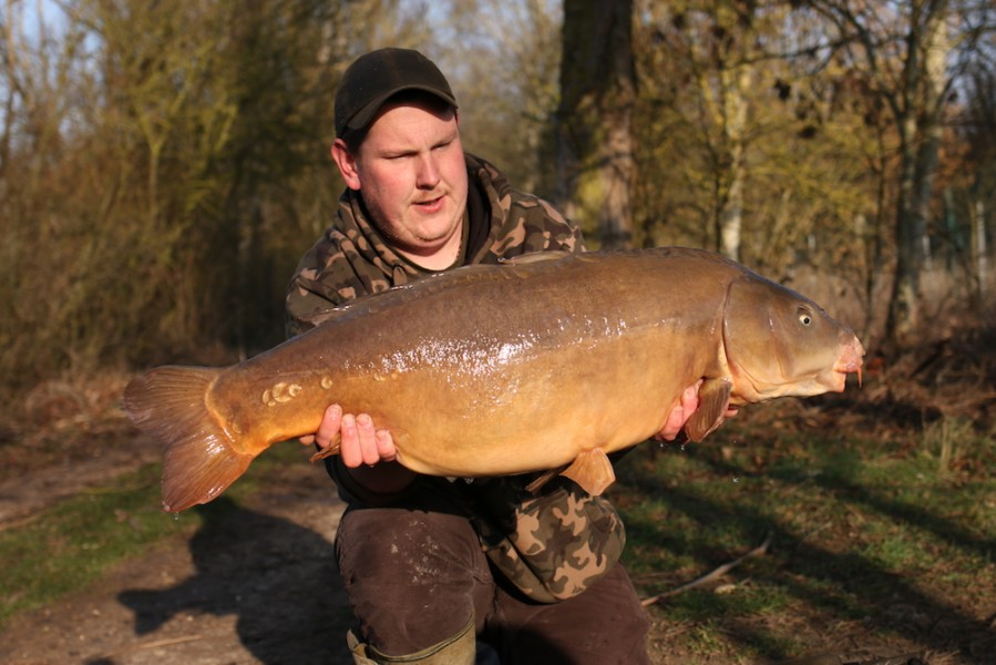 Pete Chambers, The Almost nude Fish, 33lb from The Alamo