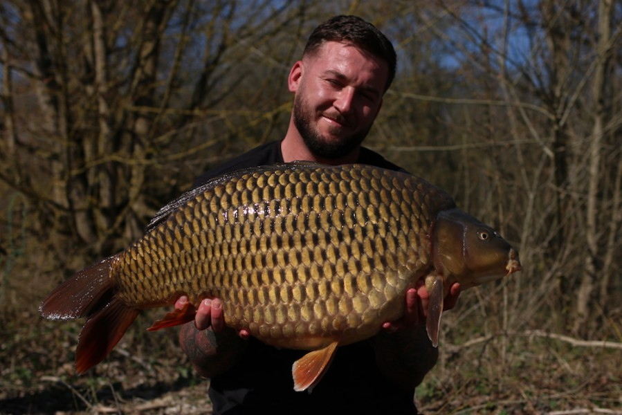 Luke Cornelius with Skinfade at 29lb 8oz Co's Point 30.03.2019