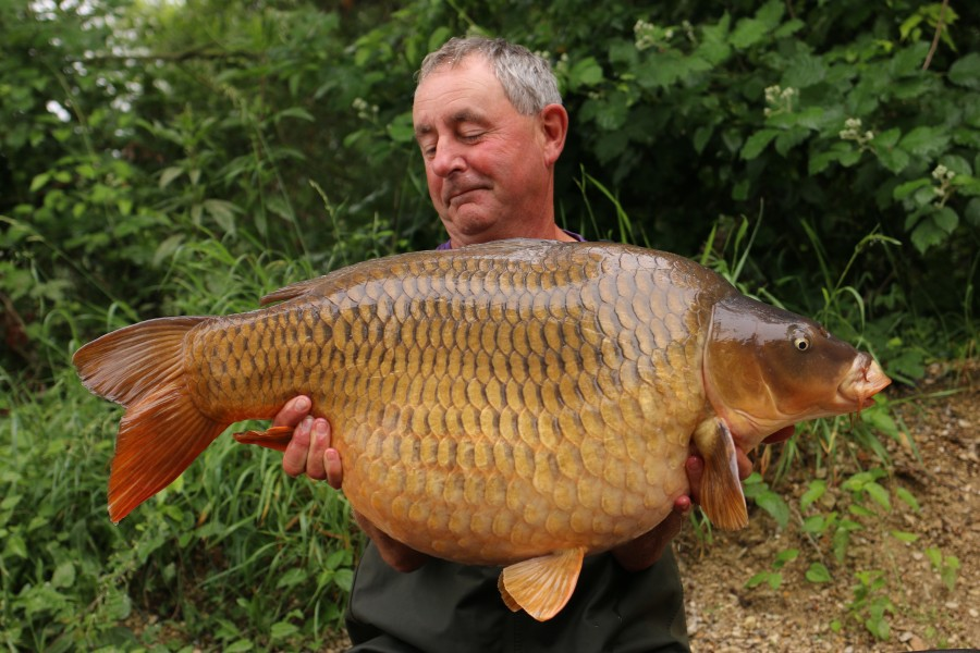 John Allan with Bobbings Dancing at 42lb 2oz 08.06.2019
