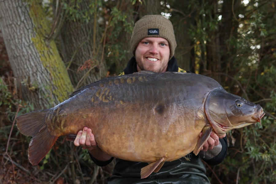 Jack with Broady's Mirror at 48lb 28.9.2019 Alamo