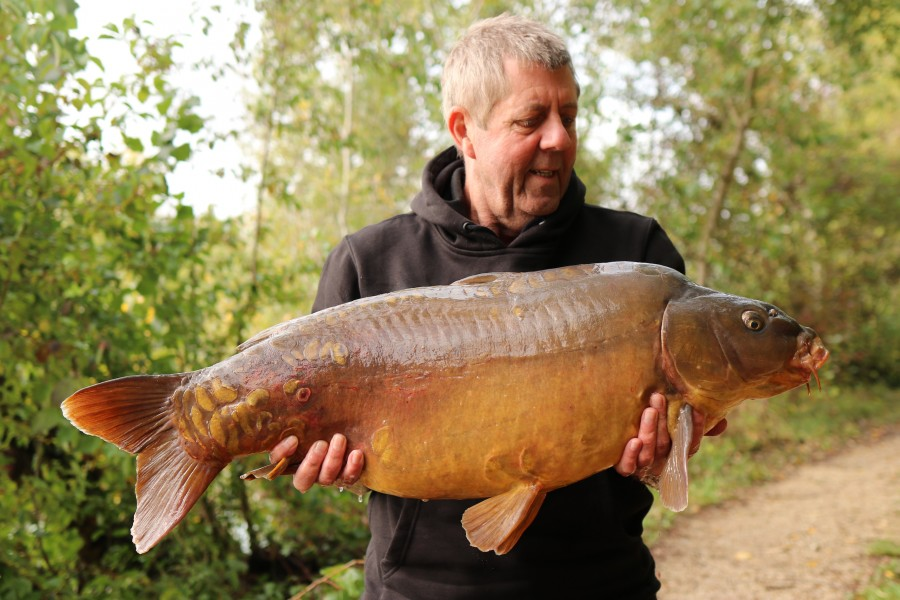 Colin Hayes With Baby Chocco at 31lb 14oz Big Southerly 28.9.2019
